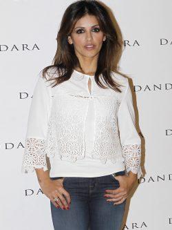 Mónica Cruz posando en la presentación de la colección Primavera/Verano 2016 de Dandara
