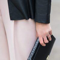 Mono rosa y sobre negro de la colección Mon Amour primavera/verano 2016 de Uterqüe