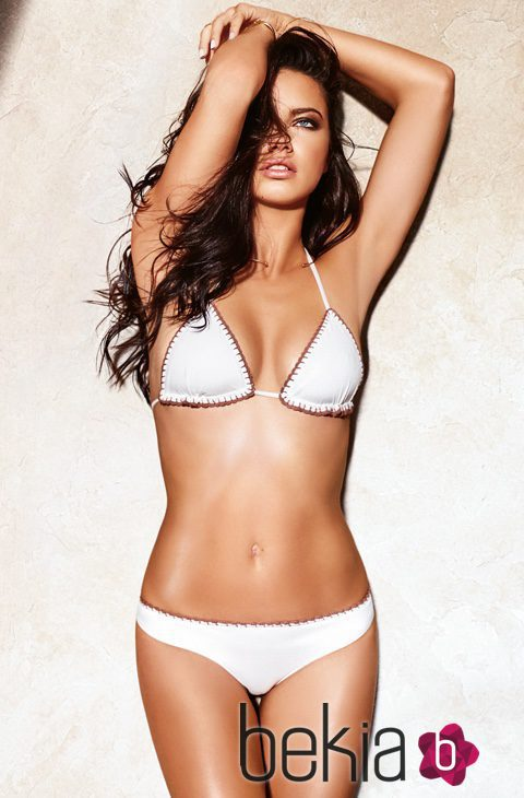 adriana lima con un bikini blanco de la colecci n de ba o 2016 de calzedonia adriana lima. Black Bedroom Furniture Sets. Home Design Ideas