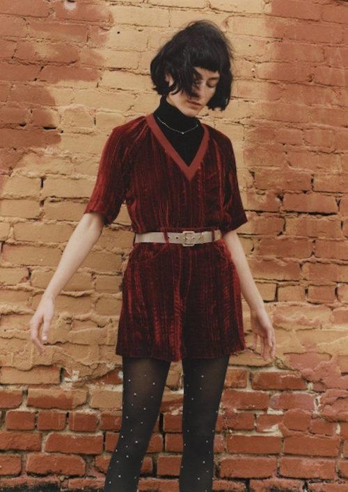 vestido rojo en terciopelo de Rodarte para & Other Stories