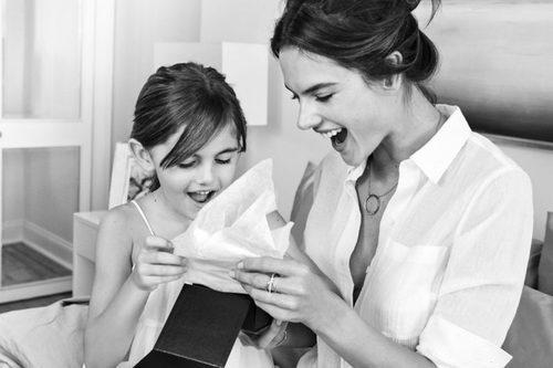 Alessandra Ambrosio posa maternal junto a su hija en la campaña Mother's Day 2016 Michael Kors