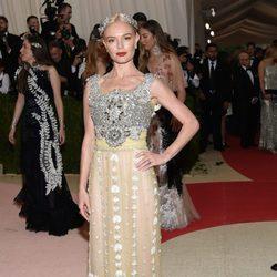 Kate Bosworth en la alfombra roja de la Gala Met 2016