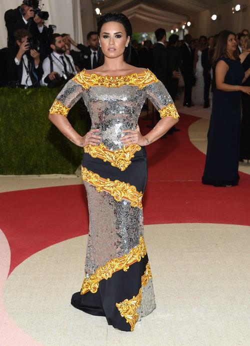 Demi Lovato en la alfombra roja de la Gala Met 2016
