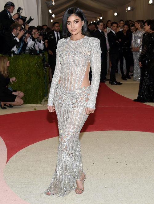 Kylie Jenner en la alfombra roja de  la Gala Met 2016