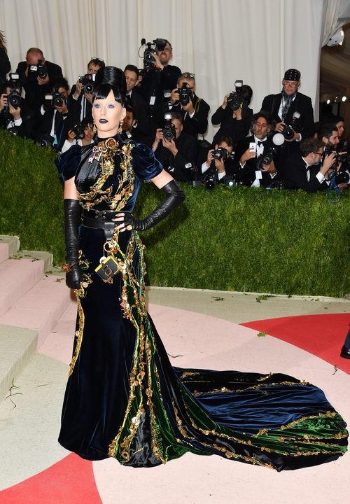Katy Perry en la alfombra roja de la Gala Met 2016