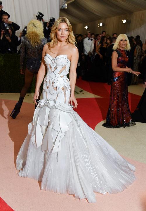 Kate Hudson en la alfombra roja de la Gala Met 2016