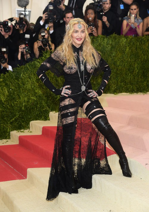 Madonna en la alfombra roja de la Gala Met 2016