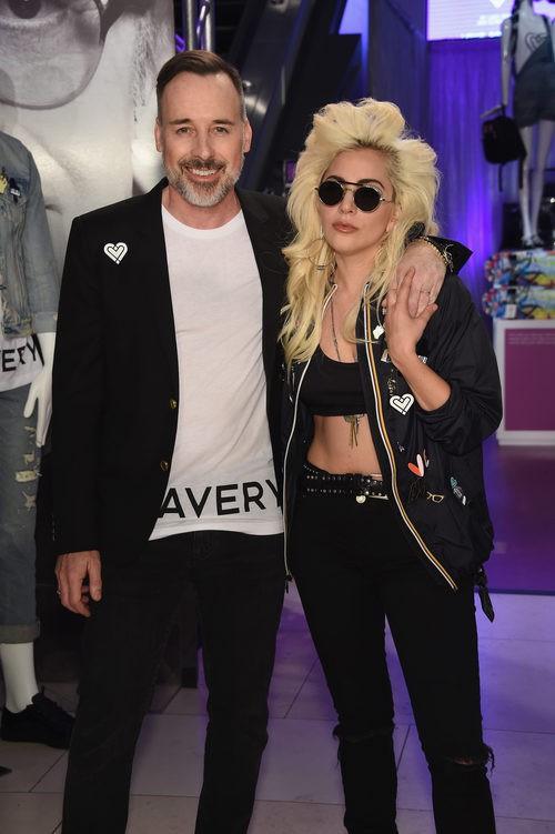 Lady Gaga y David Furnish en la presentación de 'Love Bravery' en Nueva York