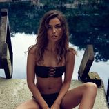 Andreea Diaconu con un bikini tribal en la nueva colección de H&M
