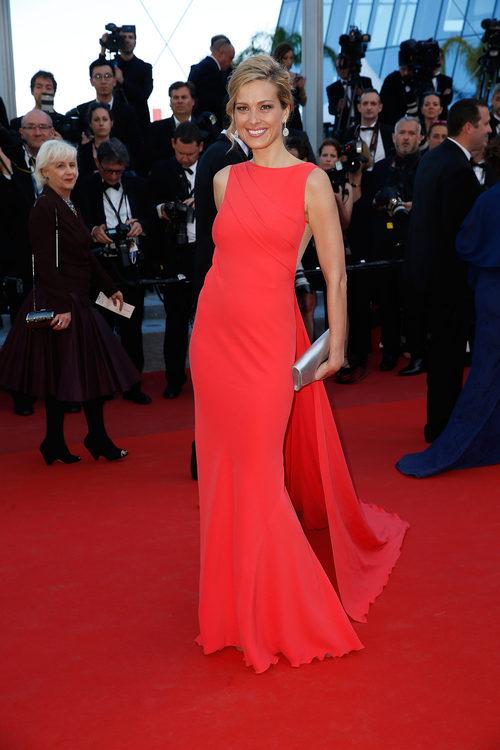 Petra Nemcova con un vestido de Georges Chakra en el estreno de 'Mal De Pierres' en Cannes 2016