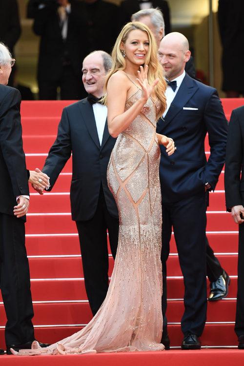 Blake Lively en la alfombra roja del Festival de Cannes 2016