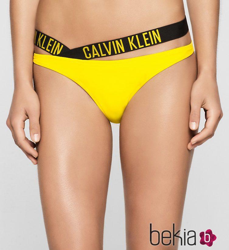 Tanga bikini amarillo colección logotipo de Calvin Klein ...