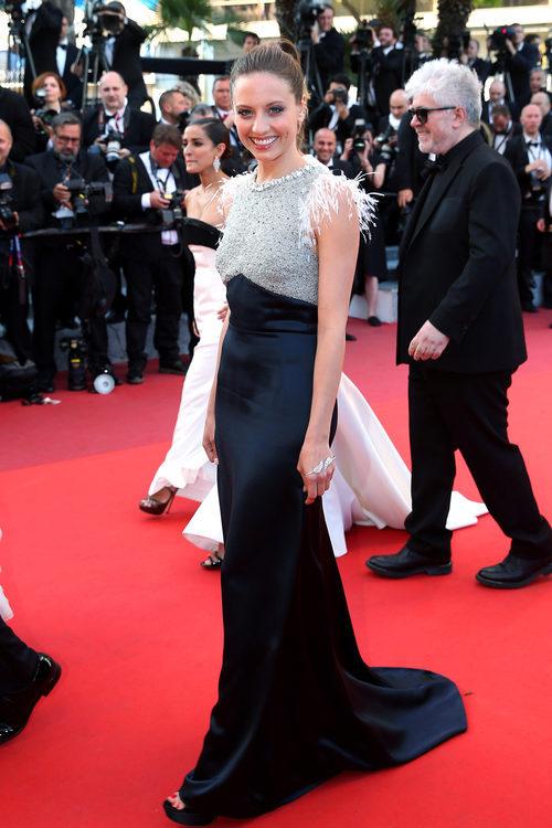 Michelle Jenner en la alfombra roja de Cannes 2016