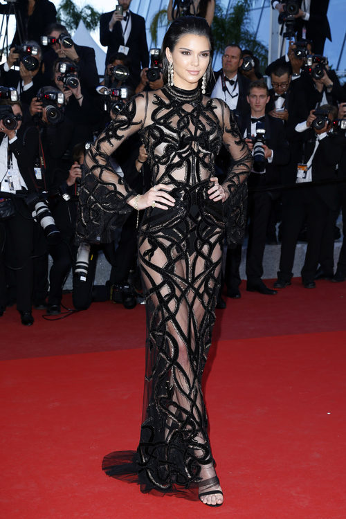 Kendall Jenner vestido de Roberto Cavalli en premier de 'Mal de pierres' en Cannes 2016