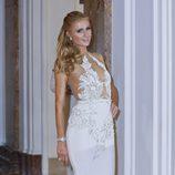 Paris Hilton con un vestido blanco de Michael Costello fiesta de Chopard Cannes 2016