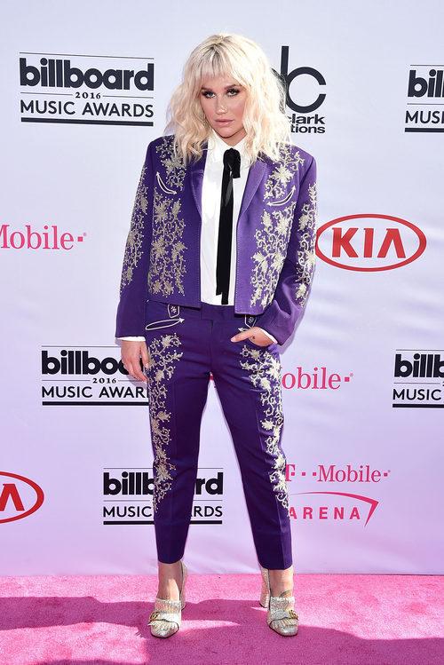 Kesha en la alfombra roja de los Premios Billboard 2016