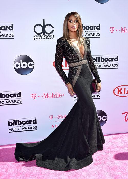 Laverne Cox en la alfombra roja de los Premios Billboard 2016