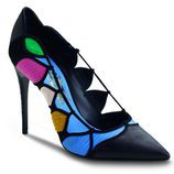 Stilettos negros con detalles en colores en gamuza, cuero y peluche de la colección otoño 2016 de Salvatore Ferragamo