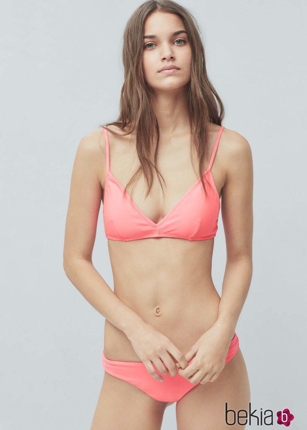 Bikini color salm n de la colecci n de ba o 2016 de mango for Coleccion bano 2016