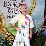 Pink en la premiere de 'Alicia a través del Espejo'