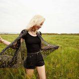 Chaleco de seda con estampado hippie de la colección Festivals de Bershka