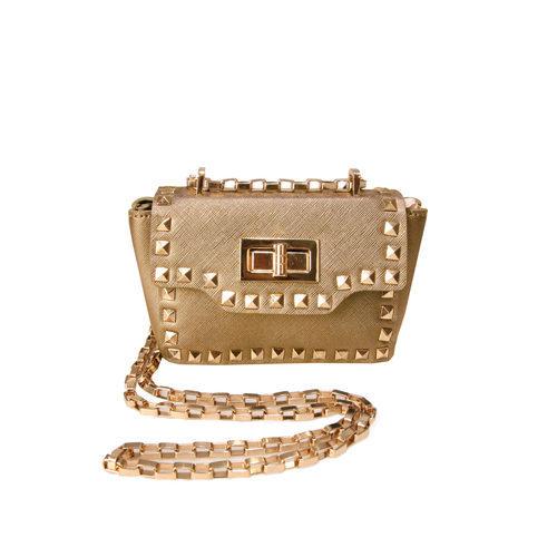 Bolso dorado con taches y cadena de la colección de verano 2016 de Lola Casademunt