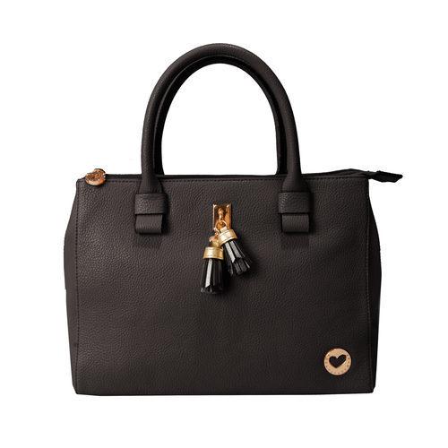 Bolso negro de cuero de la colección de verano 2016 de Lola Casademunt