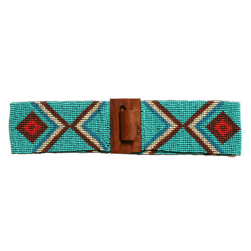 Cinturón en pedrería turquesa de la colección de verano 2016 de Lola Casademunt