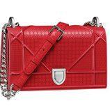 Micro-cannage rojo de la colección diorama de Dior