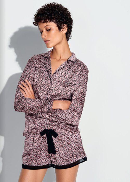 Pijama de camisón y short satinados de la colección otoño/invierno 2016/2017 de Etam
