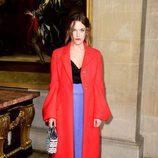 Riley Keough en el Front Row del desfile Crucero 2017 de Dior