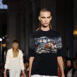 Camiseta print pictórico para la colección Crucero 2017 de Dior en Londres