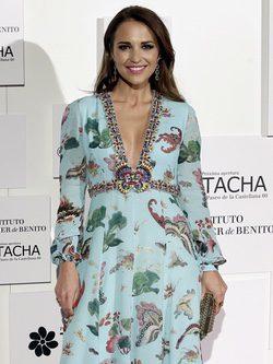 Paula Echevarría con un vestido aguamarina con estampado floral