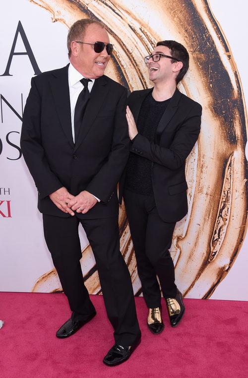 Michael Kors y Christian Siriano en la alfombra roja de los Premios CFDA Fashion 2016