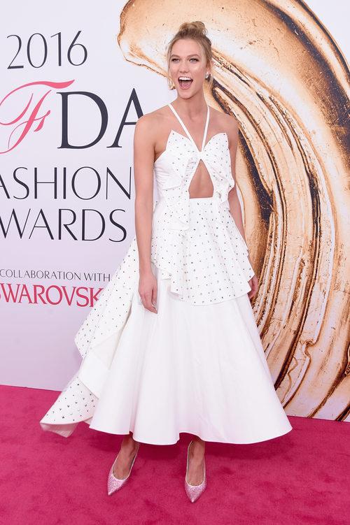 Karlie Kloss en la alfombra roja de los Premios CFDA Fashion 2016