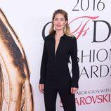 Doutzen Kroes en la alfombra roja de los Premios CFDA Fashion 2016