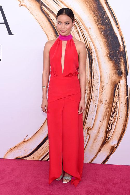 Jamie Chung en la alfombra roja de los Premios CFDA Fashion 2016