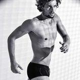 Wouter Peelen con un bañador corto  en blanco y negro para la nueva colección Summer de Calzedonia 2016