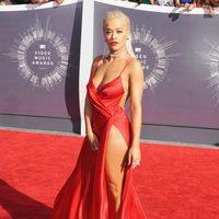 Rita Ora con un vestido de Donna Karan los MTV Video Music Awards 2014