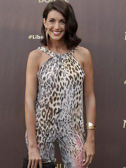 Noelia López con un jumpsuit en estampado de leopardo