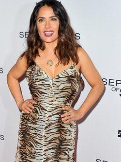 Salma Hayek con un vestido en print gazela