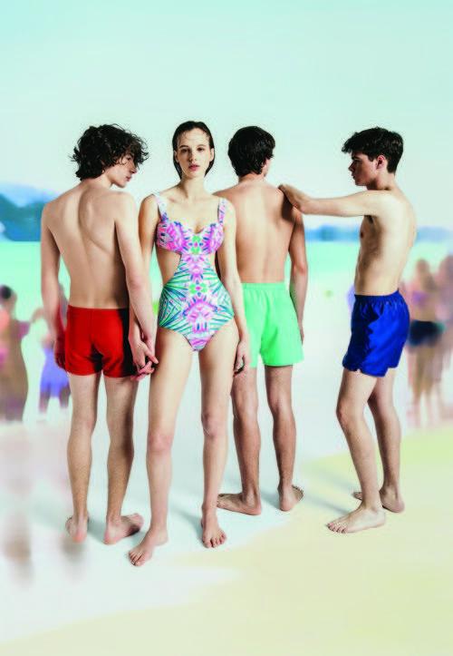 Modelos posando para la nueva campaña 'Swim color' para este verano 2016 de Oysho