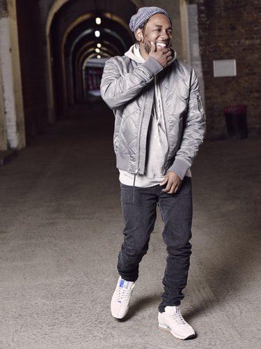 Kendrick Lamar posando como embajador de 'Reebok Classic Leather x KENDRICK LAMAR'