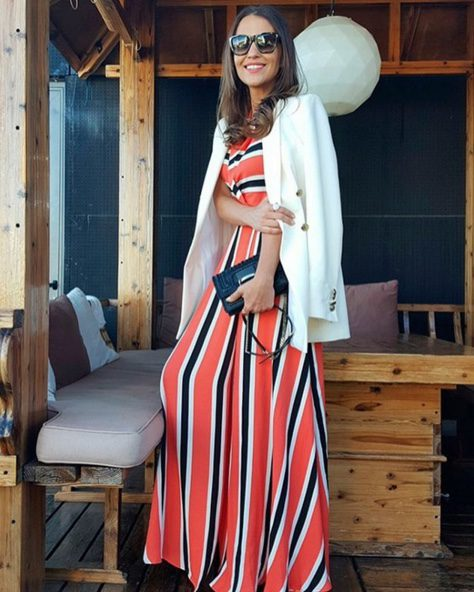 Paula Echevarría con un vestido a rayas de Dolores Promesas