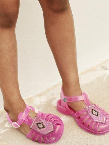 Sandalia en rosa para moda infantil de la nueva colección de Meduse x IKKS