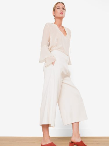 Culotte en blanco y blusa marfil de la nueva colección otoño/invierno 2016 de Uterqüe