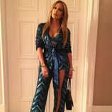 Jennifer Lopez con un conjunto glitter en turquesa