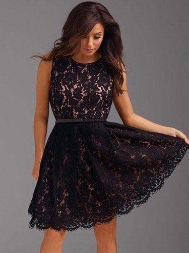 Eva Longoria con un vestido de encaje para The Limited