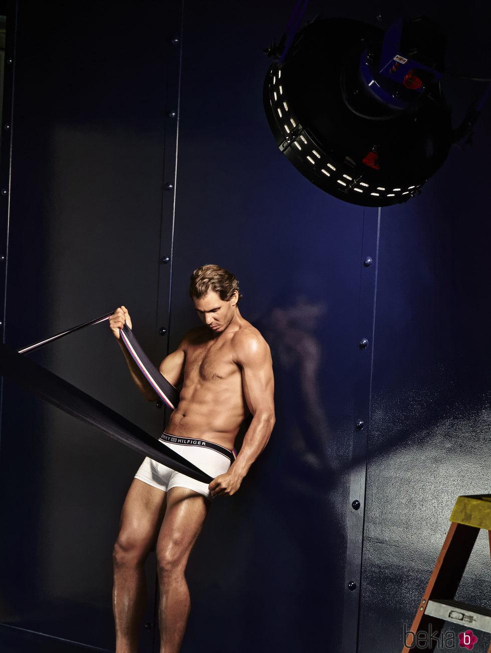Rafa Nadal se transforma en la nueva imagen de la colección 'Tommy x Nadal' de otoño/invierno 2016 de Tommy Hilfiger