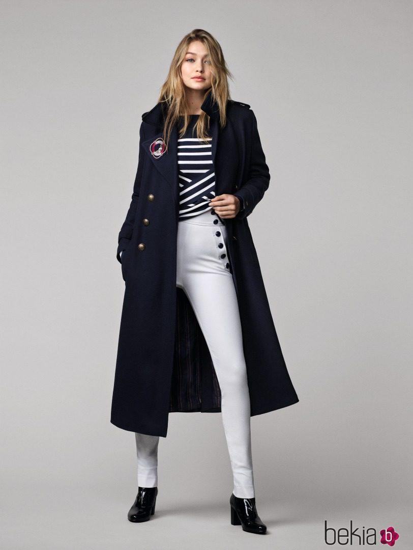 Gigi hadid con un look navy para tommy hilfiger oto o for Look oficina otono 2017